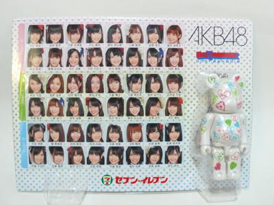 AKB48 100% ベアブリック(BE@RBRICK)