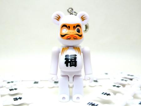 Birthday Happy 達磨 70% ホワイト ベアブリック(BE@RBRICK)