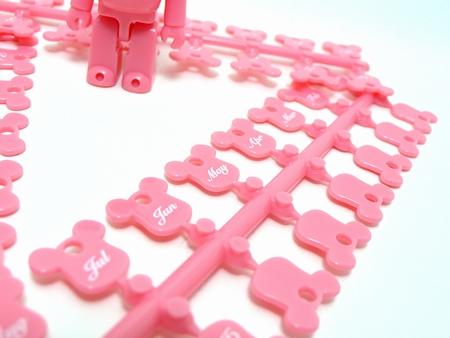 Birthday Happy (International Love Heart) PINK 70% ベアブリック(BE@RBRICK)