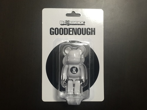GOODENOUGH 100% WHITE ベアブリック (BE@RBRICK)
