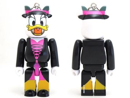 Happyくじ Disney HALLOWEEN MONSTER WOW! デイジーダック ドラキュラ Ver ベアブリック (BE@RBRICK)
