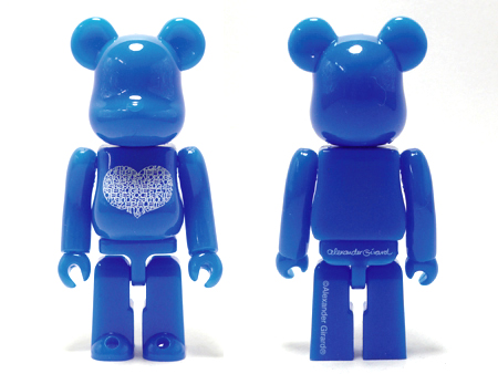 International Love Heart AZUR 100% ベアブリック(BE@RBRICK)