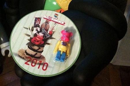 HAPPY NEW YEAR(年賀状) 2010 70% ベアブリック(BE@RBRICK)