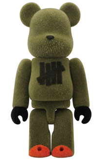 UNDEFEATED 3rd Anniversary ベアブリック(BE@RBRICK)