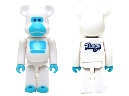 X-large 15th Anniversary LITTLE FRIEND 100% ホワイト ベアブリック (BE@RBRICK)